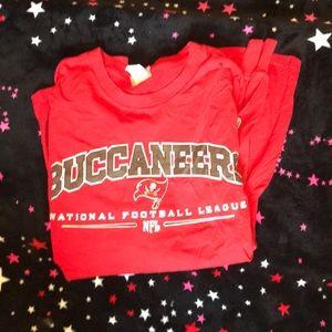 Buccaneers long sleeve xlarge